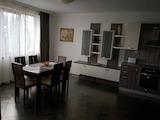 Тристаен обзаведен апартамент в ж.к. Бриз под наем