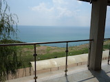 Two-bedroom apartment on the first line with wonderful sea view