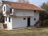 Хубава двуетажна къща на 15 км от Костинброд