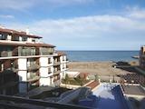 Тристаен апартамент в елегантния комплекс до плажа в Поморие