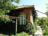 Изгодна къща в спокойно село