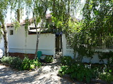 Обзаведена къща на 4 км от Нова Загора