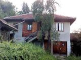 Селска къща с гараж близо до град Севлиево