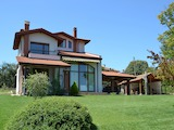 Къща в класически стил близо до град Варна