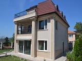 Триетажна къща под наем в кв. Бриз, гр. Варна