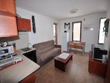 Двустаен апартамент в уютна сграда Каменица / Kamenica