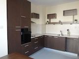 Реновиран двустаен апартамент в ж.к. Дружба-2