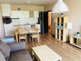 Стилен тристаен апартамент под наем в центъра на град Варна