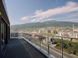 Пентхаус на две нива с изключителни панорамни гледки на 360 градуса