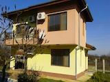 Новопостроена къща с басейн в спокойно село на минути от град Балчик