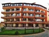 Тристаен апартамент в затворен комплекс в центъра на кв. Сарафово
