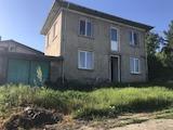 Частично реновирана къща с гараж на 12 км от Велико Търново