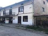 Двухэтажный дом в городе Добринище
