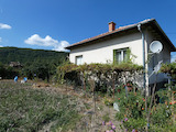 House with a yard in a mountain area, 9 km from Borovets