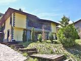 """Къща с двор във вилна зона """"Бункера"""""""