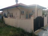 Новопостроена едноетажна къща в спокоен район на Бургас