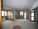 Голям апартамент с уникална гледка в центъра на Велико Търново