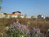 Southeast-facing plot of land in villa zone 5 km from the sea