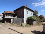 Старинна двуетажна къща за продажба в село Обидим, община Банско