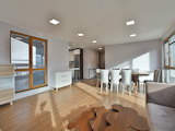 Luxury apartment with parking space and prestigious location