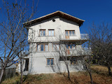 Two-storey villa with yard near pine forest at the foot of Plana Mountain