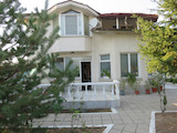2-storey house with garden and parking spaces in Syedinenie