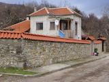 Каменна къща между Пловдив и Стара Загора