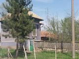 Spacious two-storey house with yard near Polski Trambesh