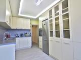 Sunny 3-bedroom apartment in Malinova dolina quarter