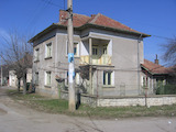 Rural house with garage and yard 35 km from Vratsa