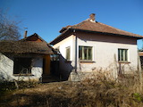 One-storey house with yard 60 km from Vratsa