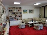 Апартамент с три спални в малък комплекс с охрана в кв. Манастирски ливади