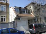 Двуетажна къща в близост до Пловдивски университет в кв. Каменица 1