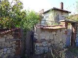 Селски имот до град Чирпан