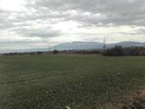 Равен, слънчев парцел до регулация на 10 км от София