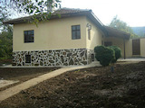 Реновирана двуетажна къща в близост до Велико Търново и Елена