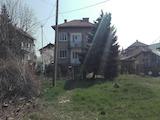 Двуетажна къща с голям двор в кв. Илиянци
