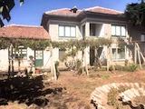 Къща с двор и гараж на 25 км от Велико Търново