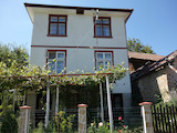 Двухэтажный дом с садом и панорамным видом на Стара планина