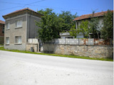 Two houses in a common yard 35 km from Veliko Tarnovo