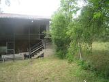 Двухэтажный дом в деревне вблизи г. Правец