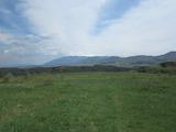 Атрактивен парцел земя на 30 минути от столицата София