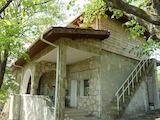 Здрава каменна къща в Крайбрежната зона на Каварна