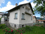 Two-storey house with yard in the village of Govedartsi