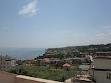 Трехкомнатная квартира с панорамным видом на море в Бяла