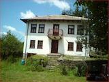 Традиционный дом недалеко от с. Боженци