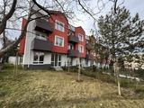 Современные трехэтажные дома в квартале Симеоново