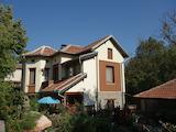 Отремонтированный двухэтажный дом в деревне недалеко от Севлиево