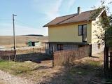 Отремонтированный дом с двумя спальнями в деревне Опанец