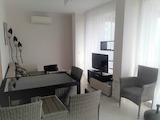 Дизайнерская трехкомнатная квартира в 150 м от пляжа в Бяла